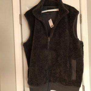 Banana Republic Men's furry zip up vest